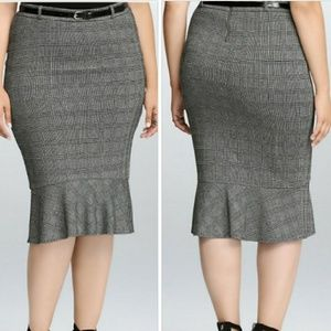 Torrid Houndstooth plaid midi skirt size 26